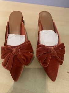 ASOS DESIGN Summer bow mid heeled mules in rust, Size 7 Uk, New