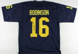 Denard Robinson Signed Jersey (Beckett COA)Michigan Wolverines