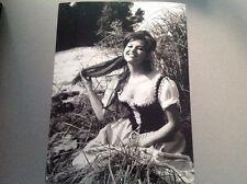 """CLAUDIA CARDINALE dans  """" CARTOUCHE """"  - PHOTO DE PRESSE 18x24cm"""