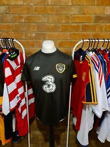 Republic Of Ireland Football Training Shirt Large
