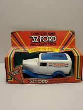 ERTL TRUE VALUE 1932 FORD  PANEL DELIVERY LOCKING COIN BANK #9232