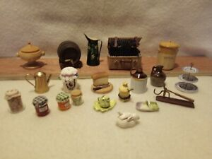 DOLLS HOUSE FURNITURE/ACCESSORIES - 20 ITEMS MIXED LOT KITCHEN 12TH SCALE