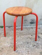 Eccezionale sgabello con struttura metallica in tubo curvato e seduta in legno