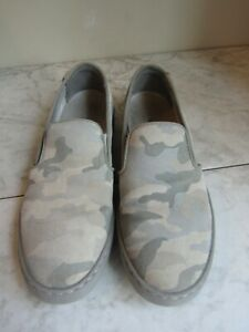 VIONIC AVERY PRO SLIP ON SNEAKER SHOE WOMENS GREY BLUE CAMO ORTHOTIC SUPPORT 9
