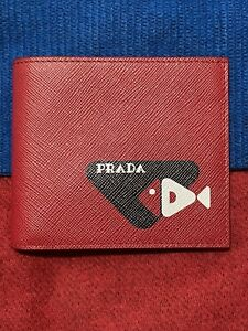 🔥🔥NEW Authentic Prada  Bifold Wallet Logo Red Saffiano Leather  Italy🔥🔥