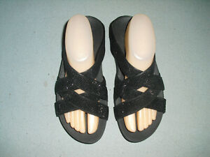 FitFlop Slide Womens Sandals Sz 8 Black with beads / sparkle