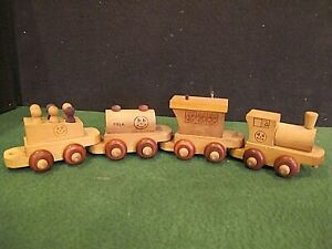 Vintage Montgomery Schoolhouse Vermont Wood 4 Piece kids Train Set