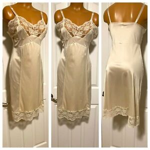 VTG 60s MOVIE STAR IVORY W/ LACE & SHADOW PANEL FULL SLIP NIGHTGOWN PIN-UP SZ 36