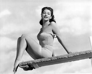 Yvonne De Carlo classic publicity photo ca. 1945 - reprint - multiple sizes:1067