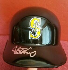 ICHIRO SUZUKI Signed Full Size Helmet JSA Seattle Mariners Autograph #51