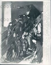 1947 Chicago Firemen Put Out Escalator Fire Loop Department Store Press Photo