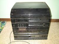 JCPenney AM/FM Stereo Radio/Dual Cassette CD Player/ Turntable 1989 DOESN'T WORK