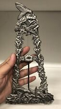 VINTAGE ORNATE METAL HUMMINGBIRD EASEL PHOTO STAND ART DISPLAY PEWTER SILVER