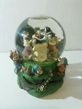 LARGE DISNEY MUSICAL GLITTER SNOW GLOBE SNOW WHITE & DWARFS Very rare