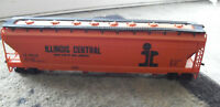 Vintage HO Scale AHM Illinois Central Covered CF Hopper Car