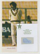WASIM BARI PAKISTAN CRICKETER 1967-1984 ORIGINAL HAND SIGNED CUTTING & PICTURE