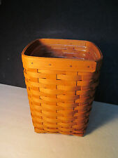 Longaberger basket Hand woven roune Collectible cloth lining with plastic insert