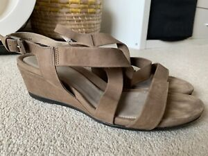 ECCO BROWN LEATHER WEDGES SIZE UK 7 EUR 40 IN NICE CONDITION