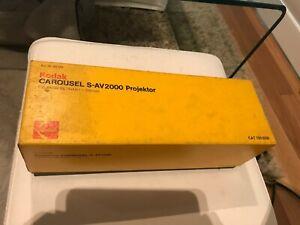 Kodak Carousel S-AV2000 Projector Retinar 250mm lens