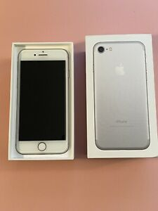 Apple iPhone 7 - 32GB - Silver (Unlocked) A1778 (GSM) Excellent Condition