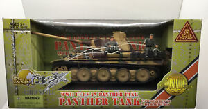 Ultimate Soldier Cold Steel 99405 German Camo Panther Tank & 2 Crew In 1/32 New