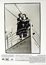 Leonardo DiCaprio Kate Winslet - Glossy Photo - TITANIC boat kiss 8x10 Original