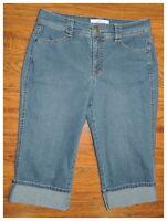 Women's CROFT & BARROW Blue Denim Medium Wash Stretch Cuffed Capri Jeans Size 10