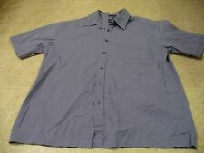 Gap Size L Navy / white checkered short sleeve button front shirt