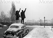 """Photographie,  """"Berlin, coupé en deux par le mur"""",  1963    /  15 x 20"""