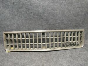 1986-1990 Chevrolet Caprice Plastic Chrome Grille w/ Emblem 14081651 OEM 38726