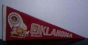"Vintage 60's  28 3/4"" OU Oklahoma Sooners  Felt Pennant Flag"
