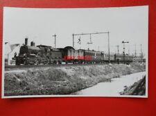 PHOTO  NETHERLANDS NS 4-4-0LOCO 1776 LEAVING UTRECHT  04/1948