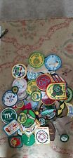 GIRL SCOUT BADGES, LOT OF 40+, VARIOUS BADGES & PATCHES