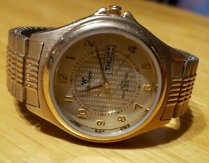 """ NEW "" Waltham Mens Wrist Watch / Gold Tone"