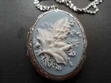 CAMEO SNOWBELLE FLOWER LOCKET