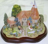 Lilliput Lane Harvest Home L2102 - Limited Edition complete with Deeds & Plinth