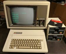 Vintage Apple IIe Personal Computer A2S2064 Green Monitor A3M0039 &Floppy Drives