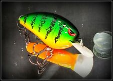 Custom Painted   Wiggle Wart KO Crankbait  #127 Chartreuse Blur