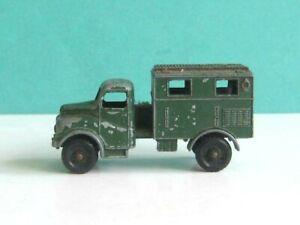 1 x MATCHBOX / LESNEY # 68a. MILITARY AUSTIN RADIO ARMY TRUCK 1959-65