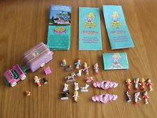 POLLY POCKET TinyWorld & Pollyville Leaflets with Vet Surgery & Doll Assortment