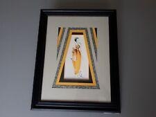 carte encadrée : la mode féminine, la robe jaune
