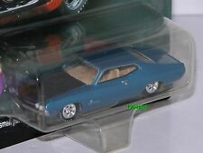 Johnny Lightning Muscle Cars U.S.A. 1970 Ford Torino 70 Limited Edition 1:64 (W)