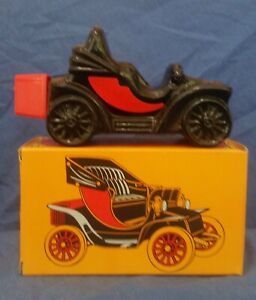 Vintage Spicy Aftershave, Avon Electric Charger car decanter 5 fl oz full w/ box
