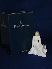 """ACROSS THE MILES"" ROYAL DOULTON FIGURINE - SENTIMENTS COLLECTION - HN3934 - MIB"