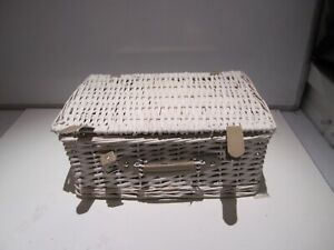 White Picnic Basket set for 2