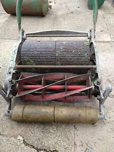 Ransomes 12in Ajax Mk 5 vintage cylinder push lawnmower and grass box