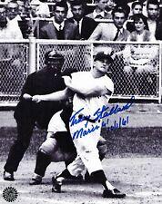 TRACY STALLARD SIGNED 8X10 PHOTO - MARIS BLASTS HIS 61ST HOME RUN- 1961 YANKEES