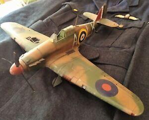 Airfix A14002A Hawker Hurricane Mk1 1:24 Scale 97% Made Up.