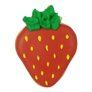 NEW STRAWBERRY  COOKIE CUTTER  (1)
