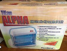 TITAN ALPHA ELECTRONIC FLY CONTROL UNIT NEW IN BOX PESTWEST